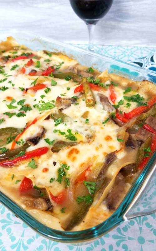 A complete gathering of comfort foods - all in one dish. A hardy scrumptious family dinner with not much fuss, and something a little outside the normal lasagna (which I also love).