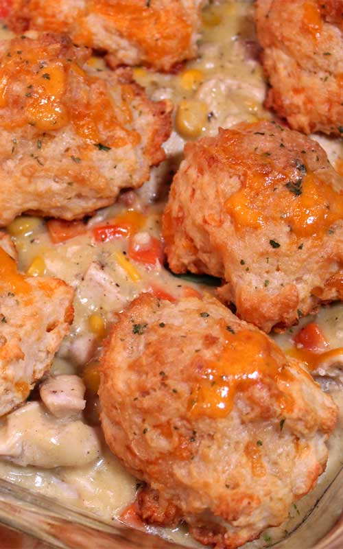 True comfort food at it's best, thisCheddar Bay Biscuit Chicken Pot Pie isperfect for these chilly fall and winter nights.
