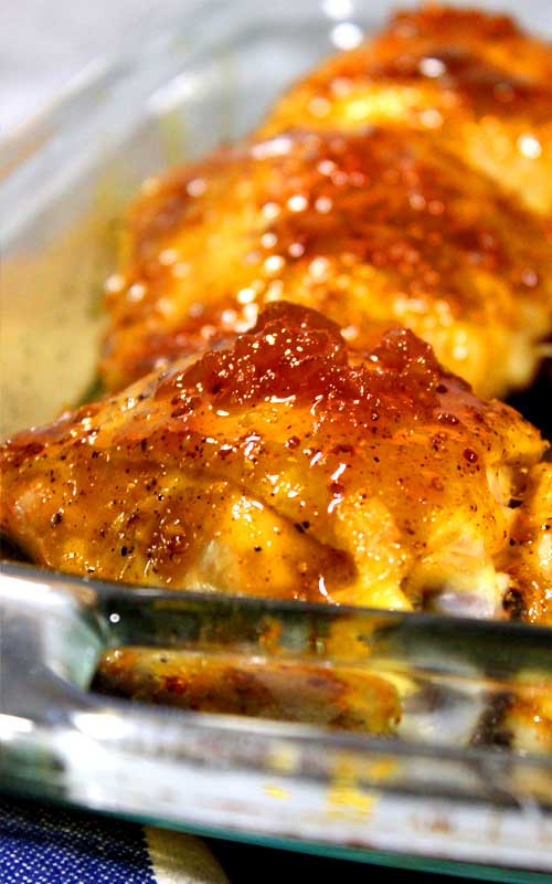 This Cajun Apricot Glazed Chicken is so juicy and full of some jazzy Cajun flavor. It's also a little bit sassy, a little bit saucy, a little bit spicy. You get what I'm say'n.