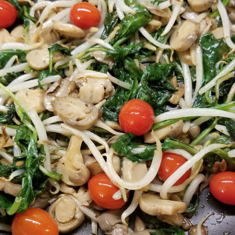 Sauteed Spinach and Mushrooms Asian-Style